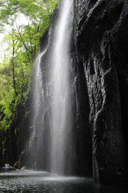 takachiho-gorge-1195555_640